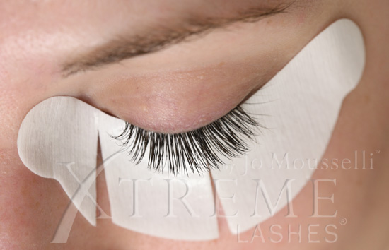 What To Do If You Receive A Bad Eyelash Extension Application ...
