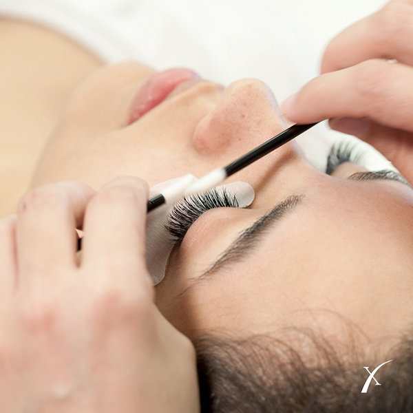 Remove Eyelash Extensions