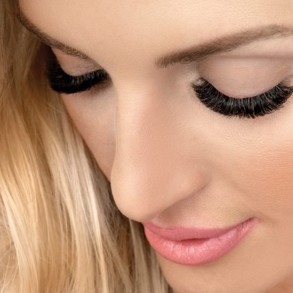Loyalty Pays at Xtreme Lashes